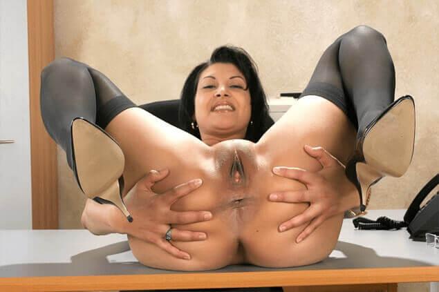 amateur sexfoto von geiler büroschlampe
